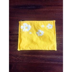 Mary Kay - Floral Makeup Pouch
